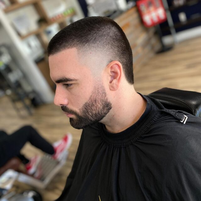 Post quarantine fresh🎯 💈Book your appointment now💈 ⬇️⬇️⬇️ Benandjohnnys.com . . . #haircut #fade # #wahl #fashion #barberlifestyle #sharpfade #barber #beard #barbering #barbergang #andis #barbers #barbersinctv #barbershopconnect #wahlpro #hair #thebarberpost #barbernation #hairstyles #barberia #menshair #nastybarbers #hairstyle #barberlife #barberworld #barberlove #barberconnect #barbearia #fadehaircut